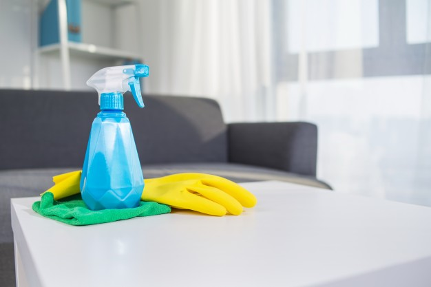 clean house. easy house cleaning schedule. quick household cleaning.